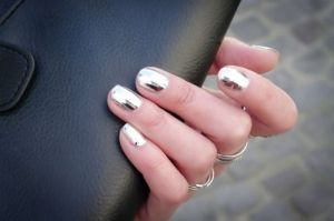 silver nail style