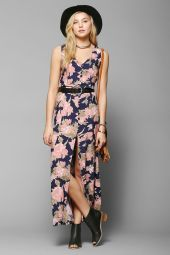 Urban Outfitters. http://www.urbanoutfitters.com/urban/catalog/productdetail.jsp?id=31070436&parentid=W_APP_DRESSES