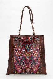 Urban Outfitters. http://www.urbanoutfitters.com/urban/catalog/productdetail.jsp?id=31135353&parentid=W_ACC_BAGS