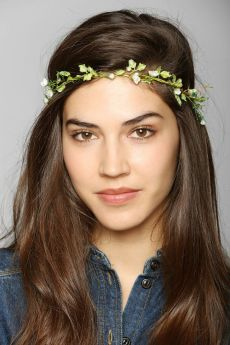 Urban Outfitters. http://www.urbanoutfitters.com/urban/catalog/productdetail.jsp?id=30938336&parentid=W_ACC_HAIRACCESSORIES