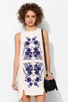 Urban Outfitters. http://www.urbanoutfitters.com/urban/catalog/productdetail.jsp?id=30945182&parentid=W_APP_DRESSES