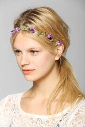 Urban Outfitters. http://www.urbanoutfitters.com/urban/catalog/productdetail.jsp?id=31301443&parentid=W_ACC_HAIRACCESSORIES