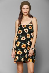 Urban Outfitters. http://www.urbanoutfitters.com/urban/catalog/productdetail.jsp?id=30920243&parentid=W_APP_DRESSES